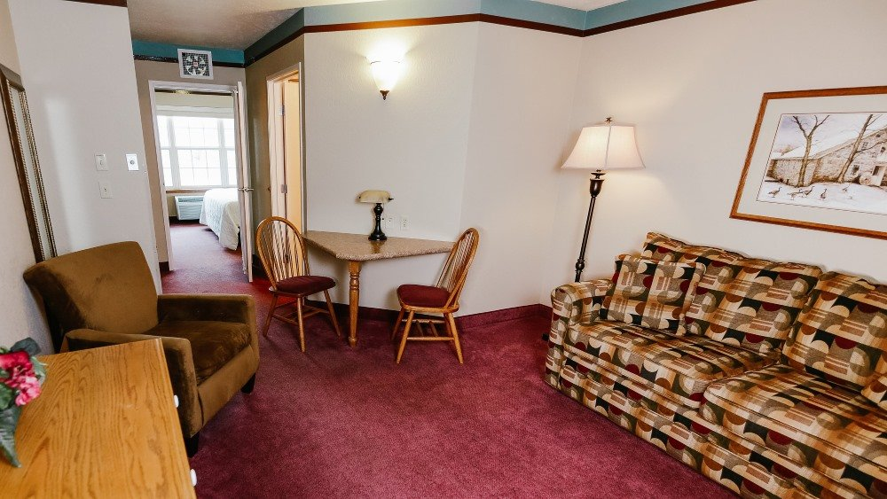 1 Bedroom King Suite w/ Sofabed